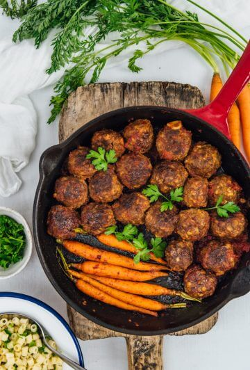 Gluten-Free Honey Garlic Meatballs are juicy, tender and packed with sweet and tangy flavors. Perfect as appetizer or served with veggies as dinner! You can prepare these in advance and bake when you are ready.