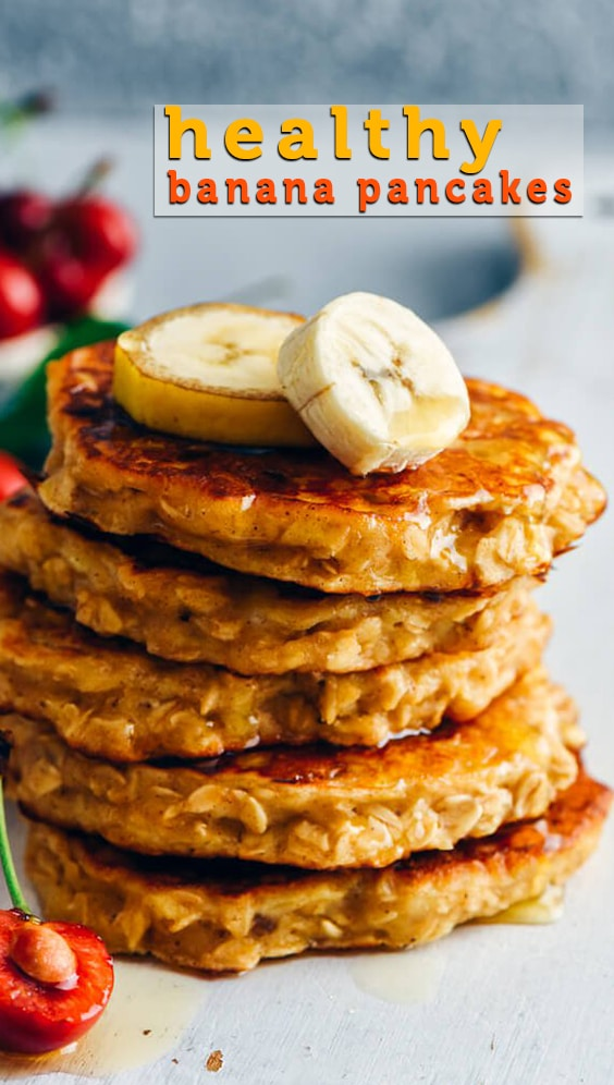 Sugar-free Healthy Banana Pancakes make a delicious breakfast for the weekend. These pancakes which have zero oil are light, fluffy and full of good ingredients. They keep you full for a long time. #pancakes #breakfast #bananapancakes #healthypancakes #weekendbreakfast