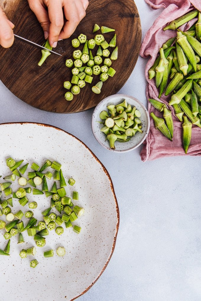 How to clean okra